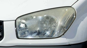 Headlight restoriation - before